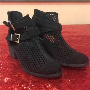 Shoemint black ankle booties